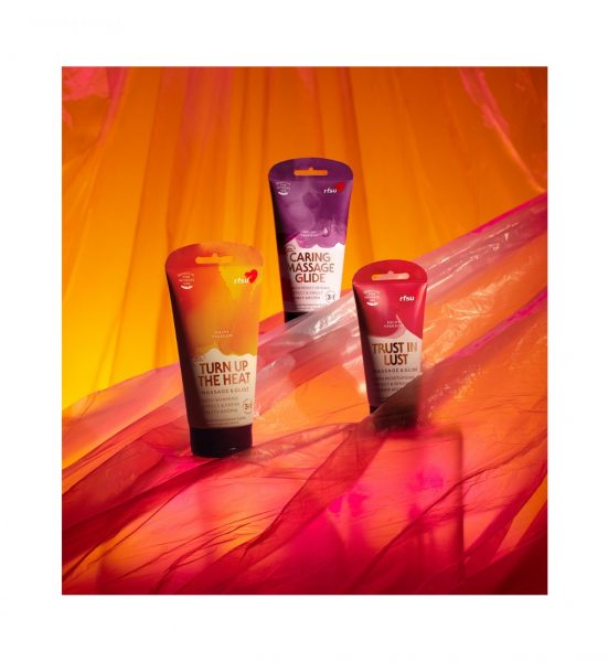 Caring Massage Glide - Fuktighetsgivende glidemiddel og massasjegel med søt smak - RFSU